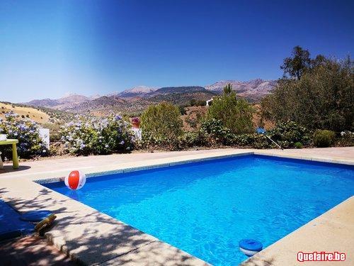 Maison avec piscine dans village de montagne près de Malaga