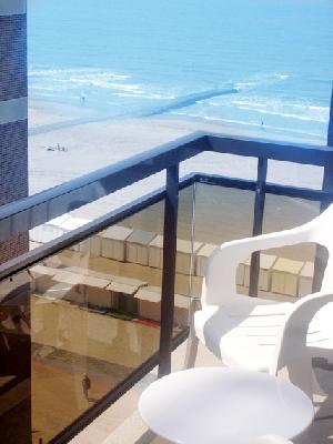 Appartement met lateraal zeezicht en havenzicht