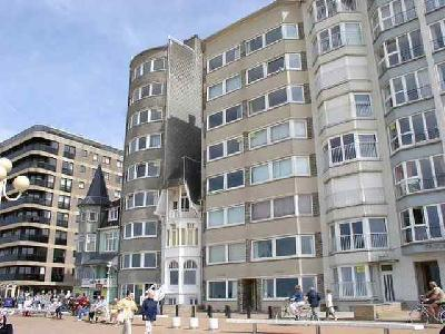Grand appartement 3 chambres sur la digue de mer � la panne