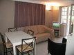 Petit appartement simple idéalement situé avec...